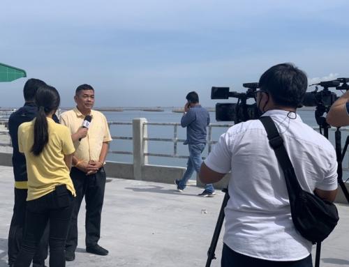 ให้สัมภาษณ์กับผู้สื่อข่าวสถานีวิทยุโทรทัศน์แห่งประเทศไทย